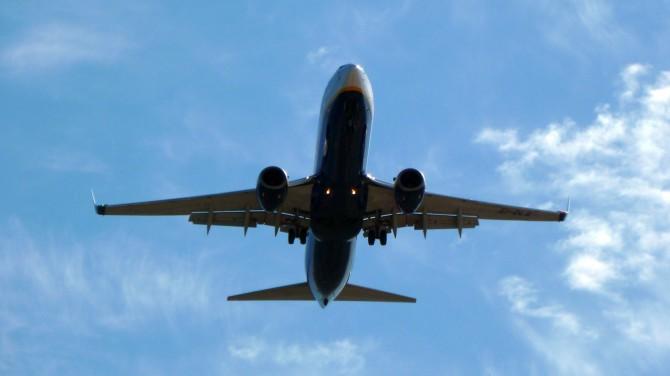 서쪽보다 동쪽으로 장거리 비행을 할 때 힘든 이유는 생체시계가